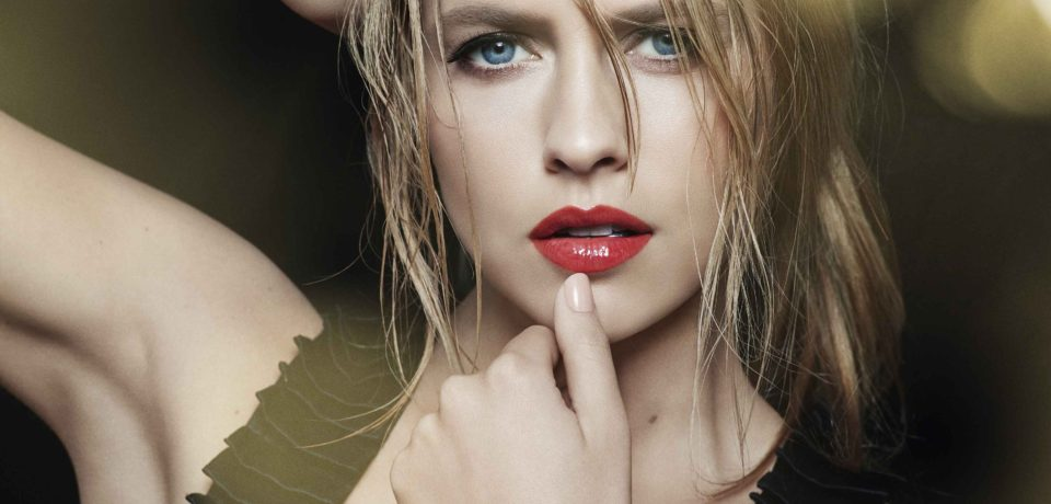 Teresa Palmer model shot for Fall 2016 Light Up Lip Gloss campaign - Bad Girl Look
